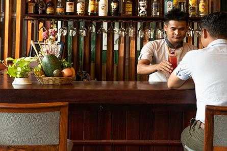 Bartender Place