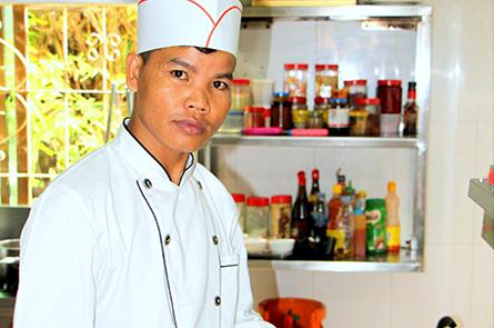 Molop Watdamnak Chef