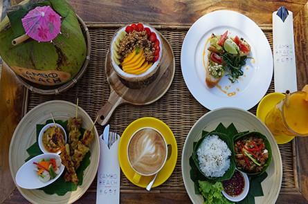Cambo Beach Food