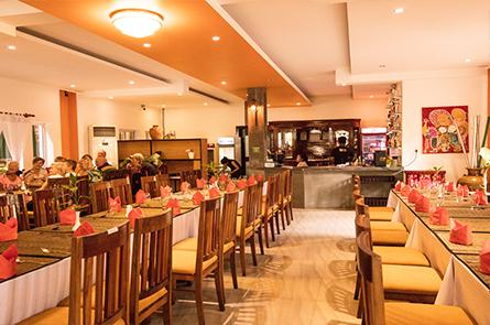 Queen Cuisine Restaurant Inside View