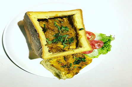 Sandwich With Curry